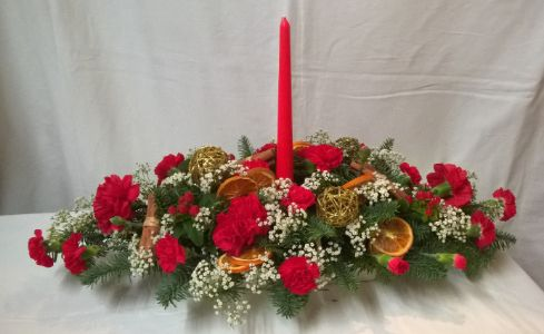 Table Flower arrangement with candle