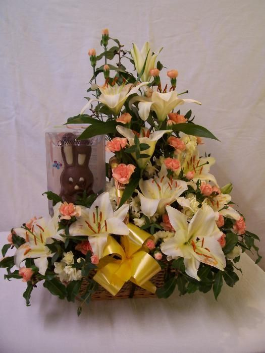 Easter fresh Flower Basket with Chocolate